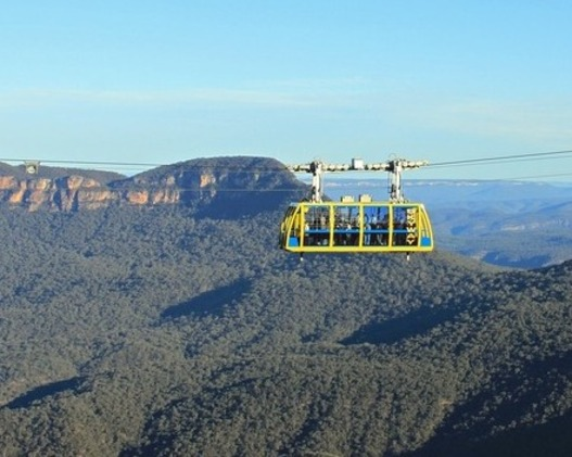 The Blue Mountains Scenic cablecargoing overthe Blue Mountains