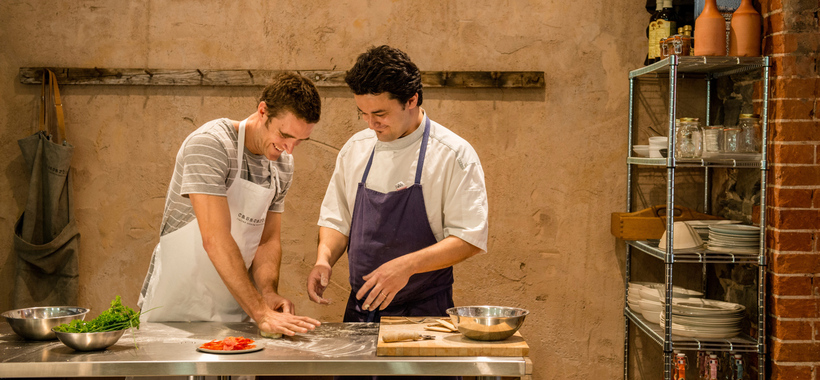 Two men doing a cookingclass in the Barossa
